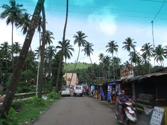 street scene goa india fluidsymmetry